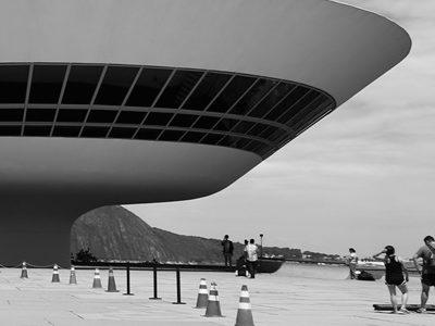 Pelo Caminho de Oscar Niemeyer