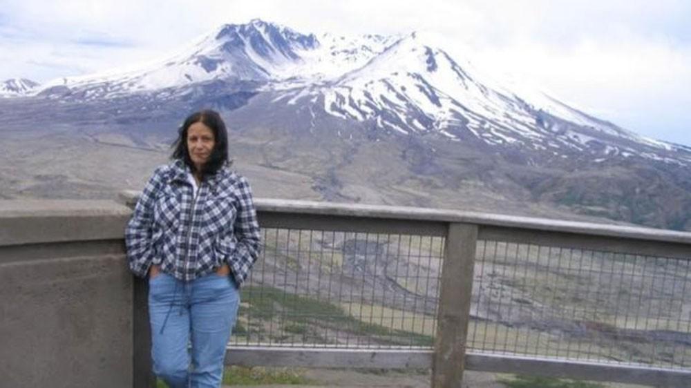 A professora Loreley Garcia diz que 'vindo de um país como o Brasil, por exemplo, é difícil desenraizar os medos típicos de sociedades violentas' (Foto: Arquivo pessoal/BBC)