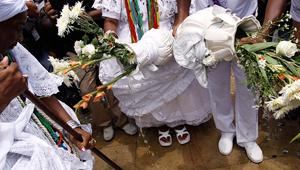 Lavagem da escadaria da igreja do Bonfim une turismo, cultura e fé em Salvador