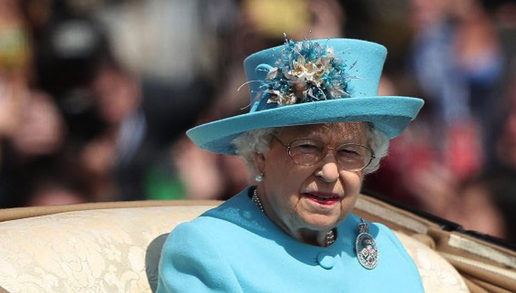 bc074383ae9 Brasileira que trabalhou com família real britânica conta bastidores e  gafes com a rainha – Bayard Boiteux